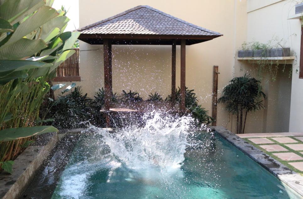 Big splash in the pool