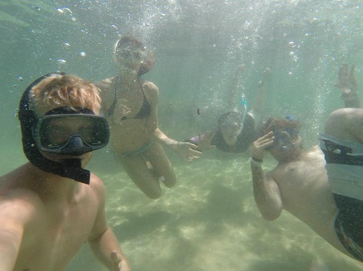 Underwater group selfie