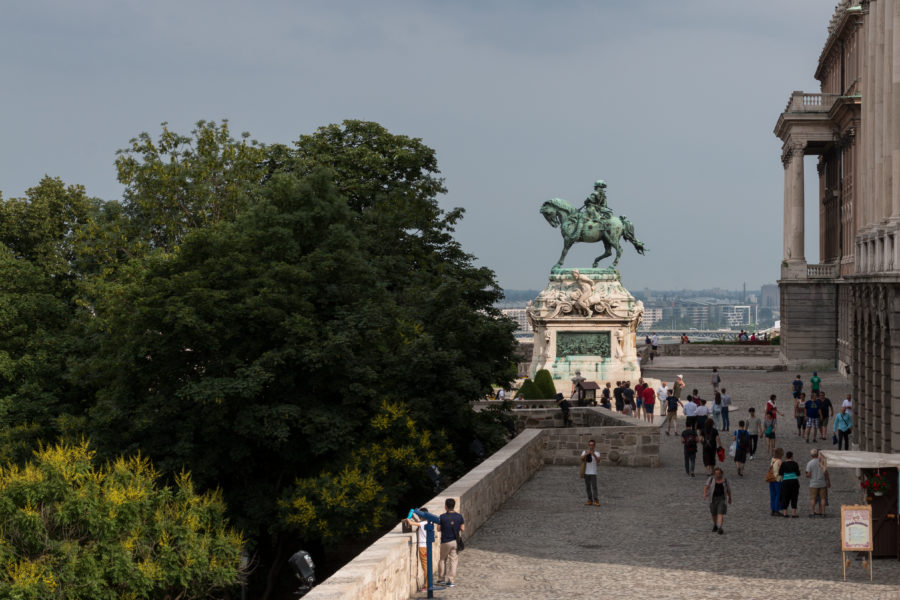 Statue of a guy on a horse