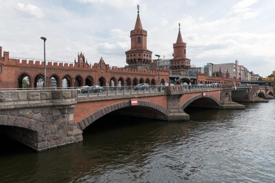 Bridge to East side gallery